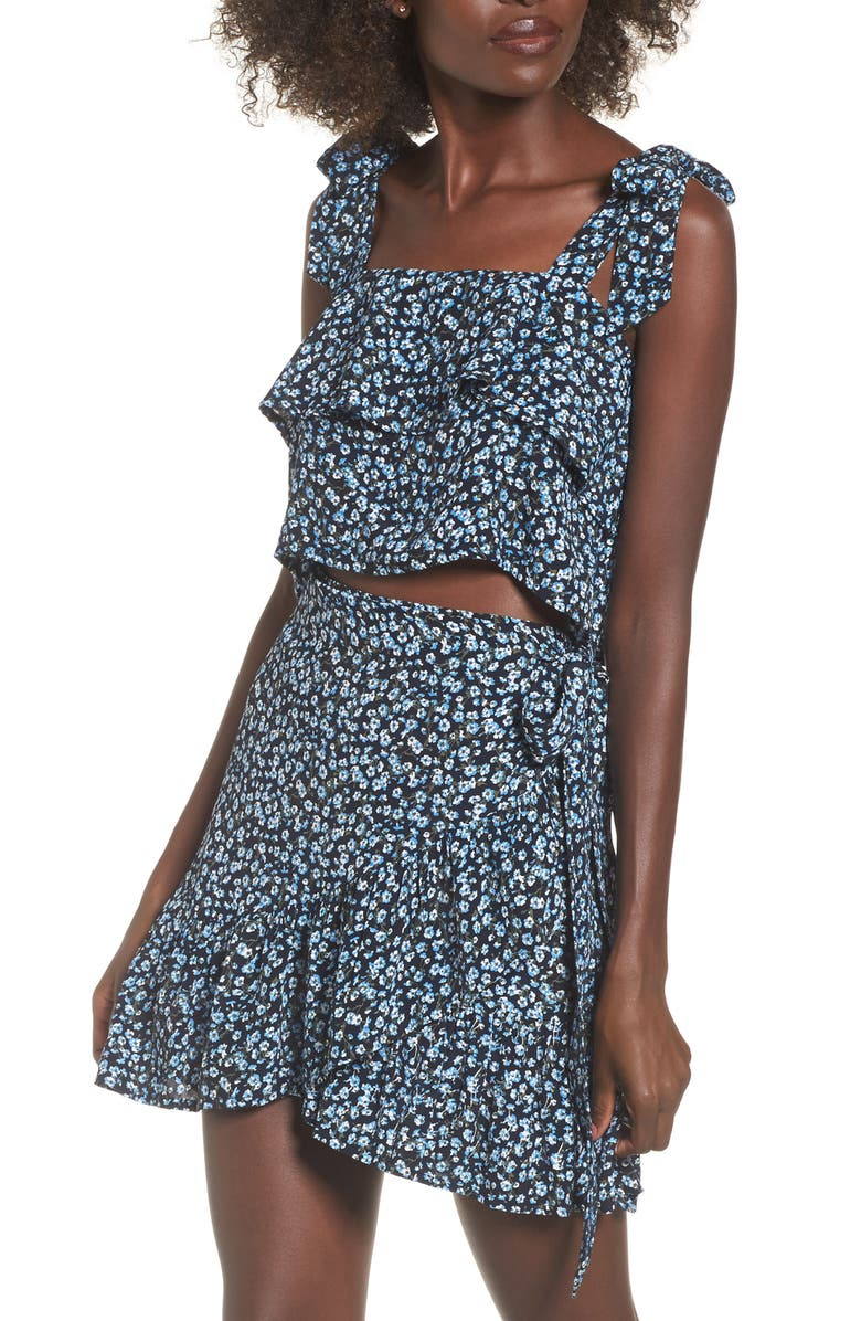 FAITHFULL THE BRAND Evelina Floral Crop Top, Main, color, 400