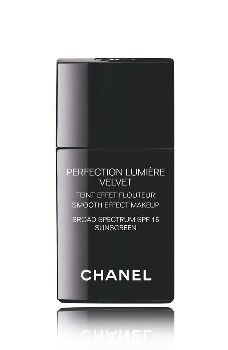 CHANEL PERFECTION LUMIÈRE VELVET <br />Smooth-Effect Makeup Broad Spectrum SPF 15 Sunscreen, Main, color, 200