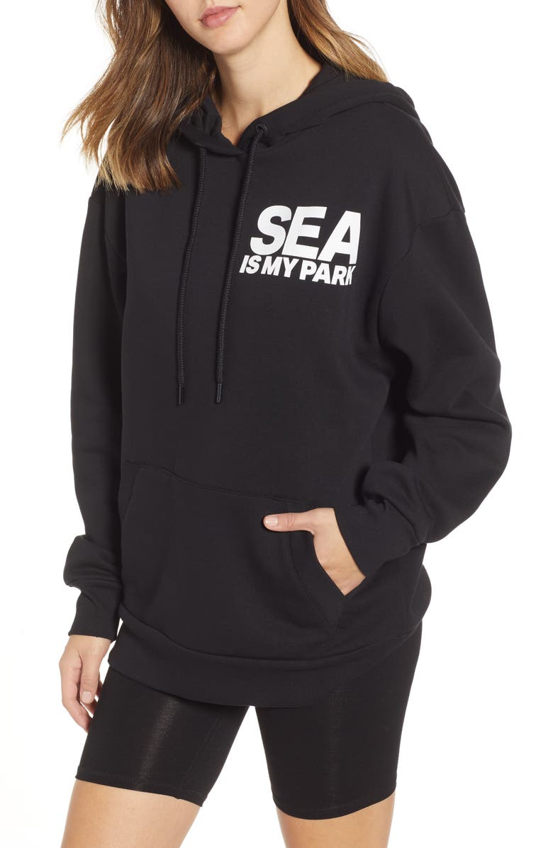 IVY PARK<SUP>®</SUP> On The Run Seattle Graphic Hoodie, Main, color, BLACK