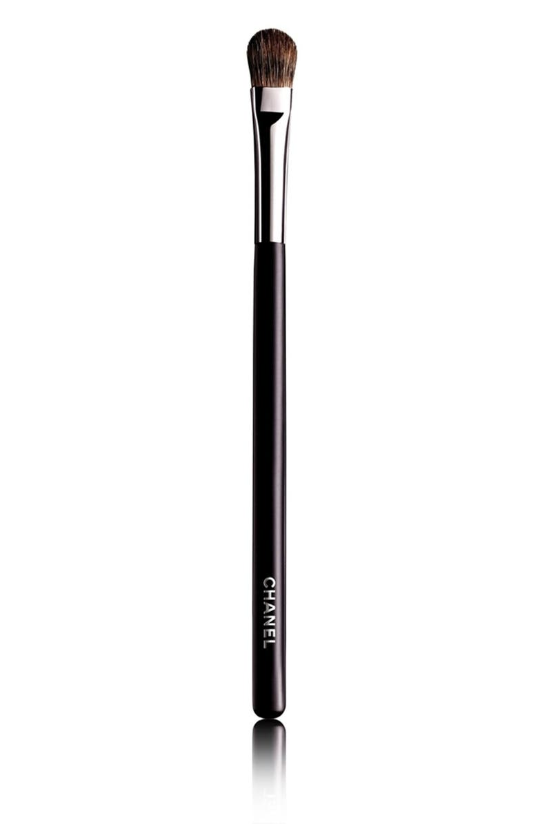 CHANEL GRAND PINCEAU PAUPIÈRES DOUCEUR <br />Large Eyeshadow Brush #25, Main, color, 000