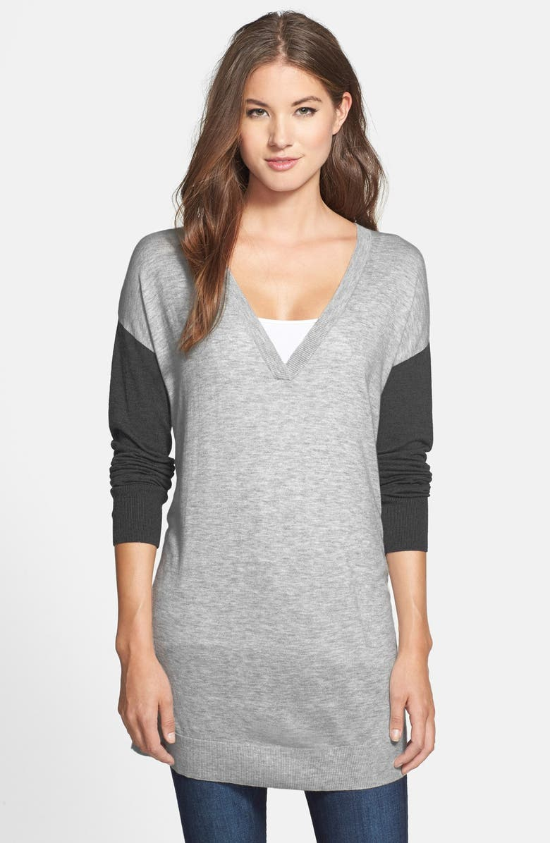 HALOGEN<SUP>®</SUP> Back Zip V-Neck Tunic Sweater, Main, color, GREY- CHARCOAL COLORBLOCK