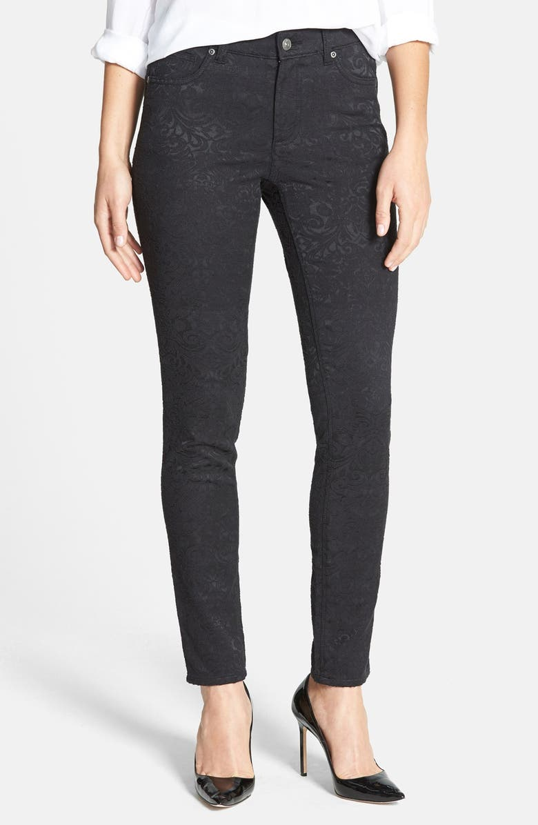 VINCE CAMUTO Skinny Jeans, Main, color, 006