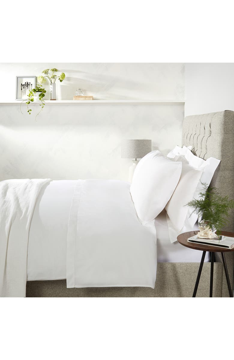 THE WHITE COMPANY Single Row Cord 200 Thread Count Egyptian Cotton Flat Sheet, Main, color, WHITE