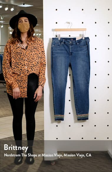 Ami Embroidery Release Hem Ankle Skinny Jeans, sales video thumbnail