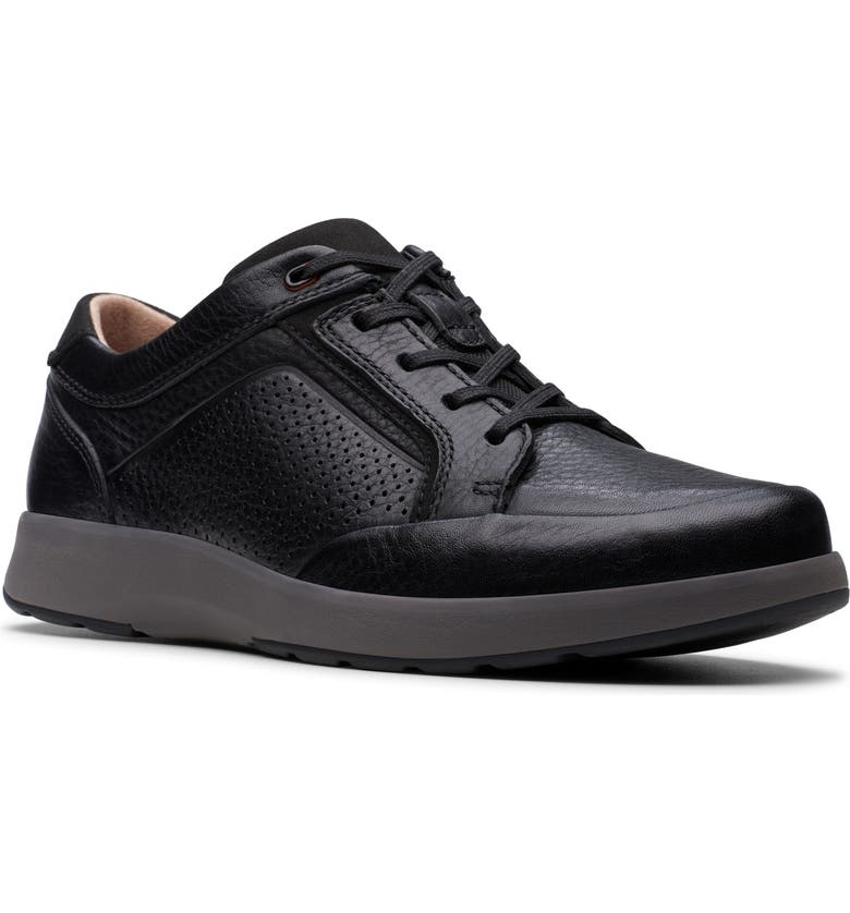 CLARKS<SUP>®</SUP> Un Trail Form Sneaker, Main, color, BLACK TUMBLED LEATHER
