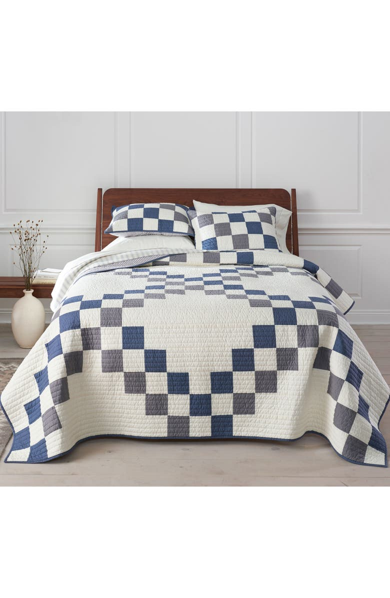 PENDLETON Modern Heritage Quilt & Sham Set, Main, color, 250