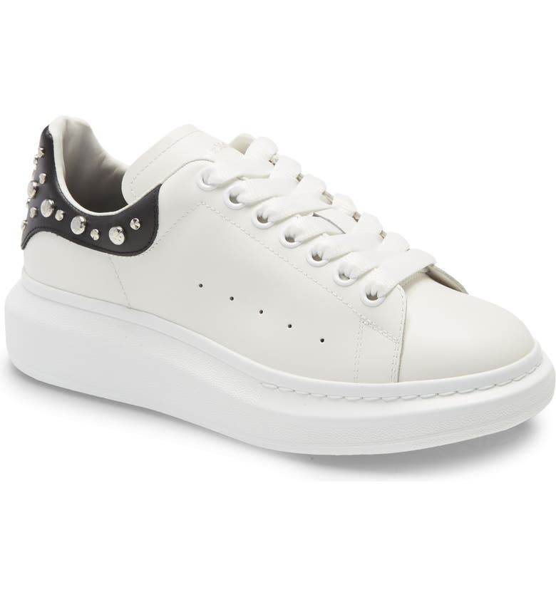 ALEXANDER MCQUEEN Studded Low Top Sneaker, Main, color, WHITE/ BLACK