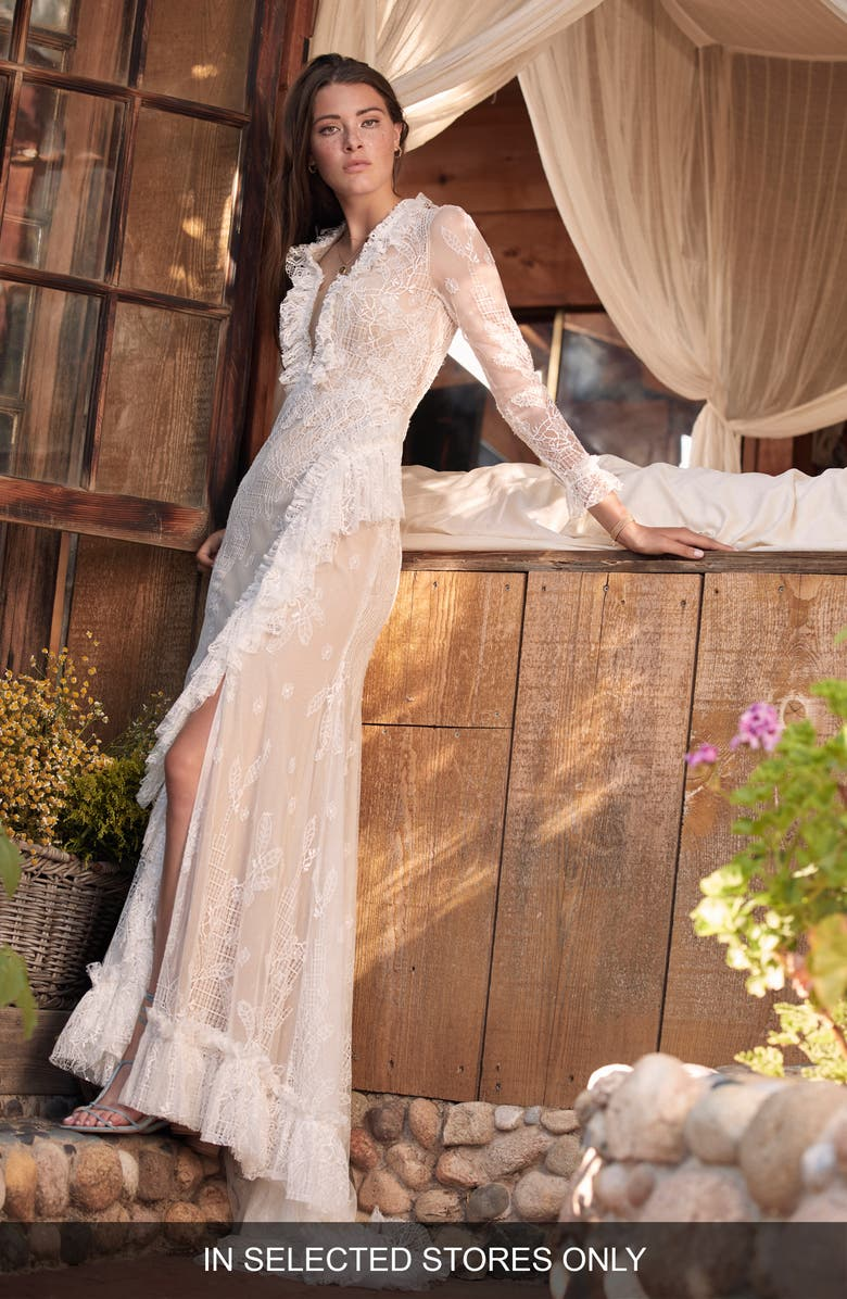WILLOWBY Lorne Long Sleeve Lace Wedding Dress, Main, color, 900