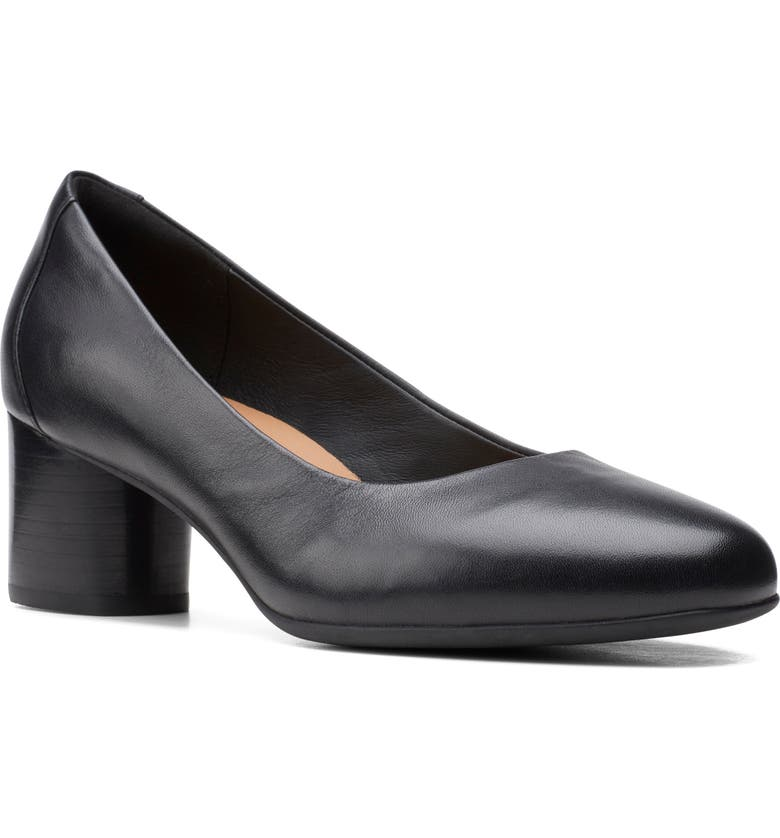 CLARKS<SUP>®</SUP> Un Cosmo Pump, Main, color, BLACK LEATHER