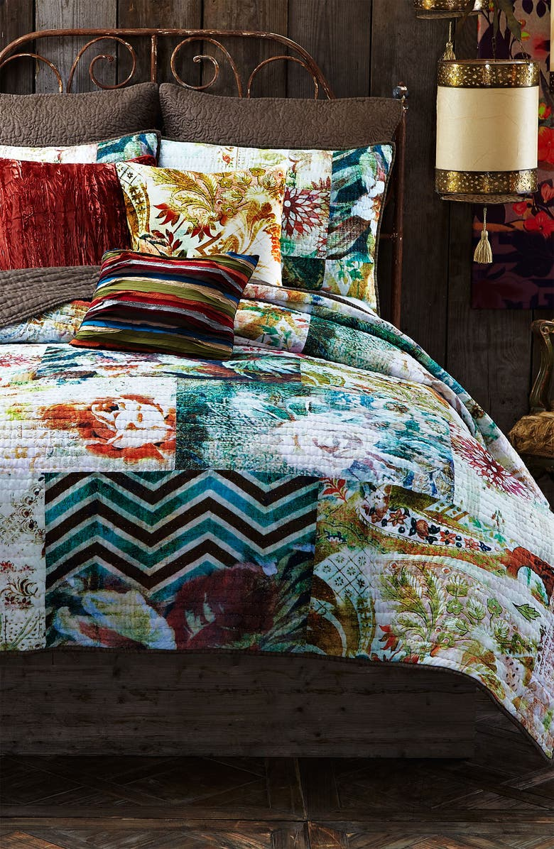 POETIC WANDERLUST Tracy Porter<sup>®</sup> For Poetic Wanderlust<sup>®</sup> 'Michaila' Patchwork Quilt, Main, color, 250