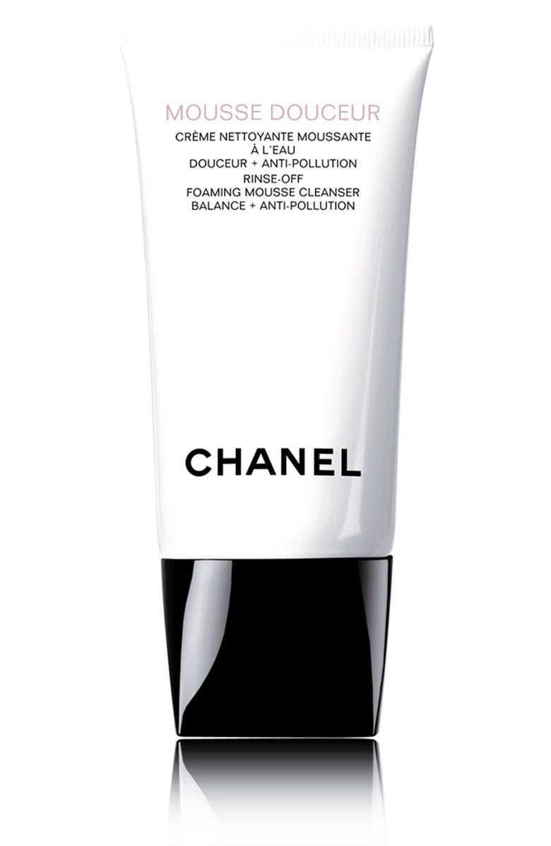 CHANEL MOUSSE DOUCEUR <br />Rinse-Off Foaming Mousse Cleanser Balance + Anti-Pollution, Main, color, 000