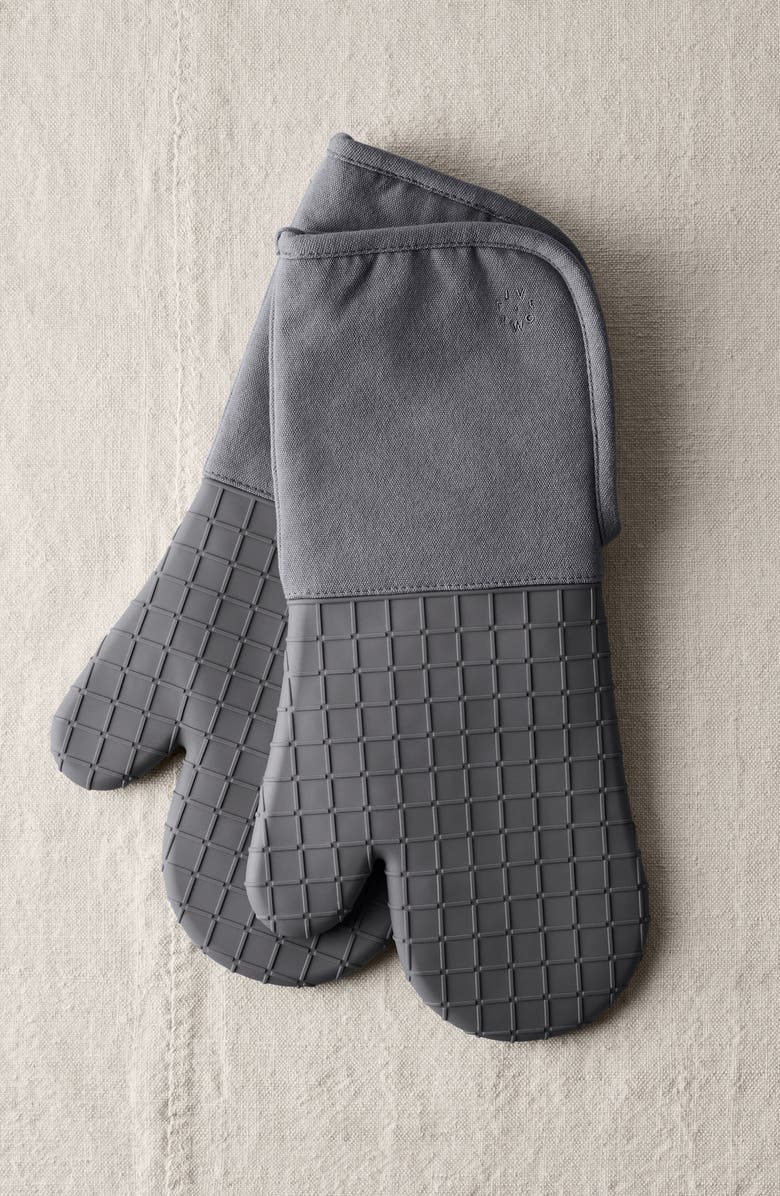 FIVE TWO BY FOOD52 Silicone Oven Mitt Set, Main, color, PEPPERCORN