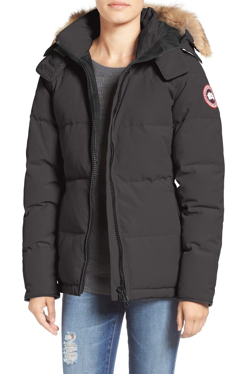 CANADA GOOSE 'Chelsea' Slim Fit Down Parka with Genuine Coyote Fur Trim, Main, color, GRAPHITE