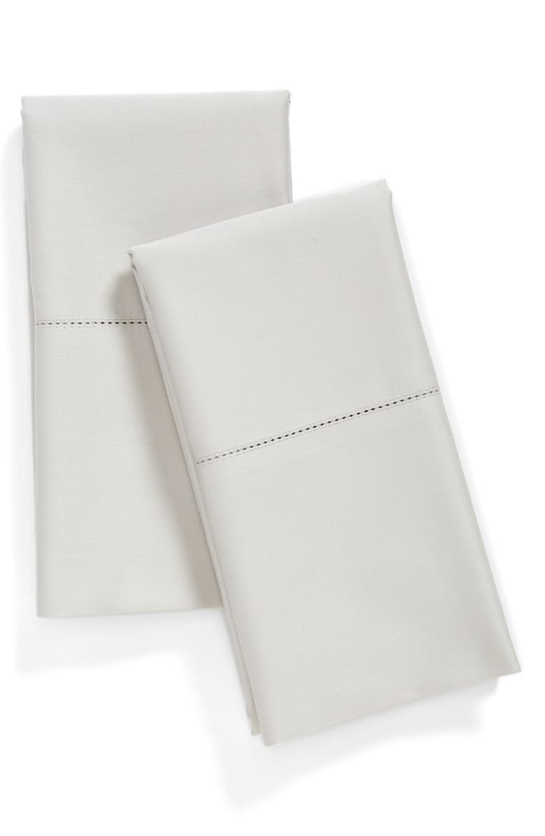 NORDSTROM 600 Thread Count Egyptian Cotton Pillowcases, Main, color, 020