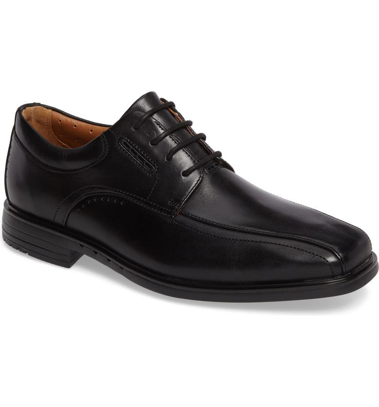 CLARKS<SUP>®</SUP> Un.Kenneth Bike Toe Oxford, Main, color, BLACK LEATHER