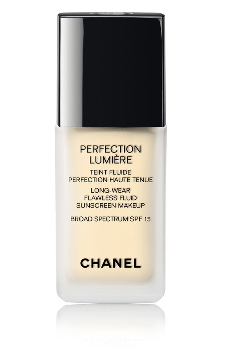 CHANEL PERFECTION LUMIÈRE <br />Long-Wear Flawless Fluid Sunscreen Makeup Broad Spectrum SPF 15, Main, color, 010