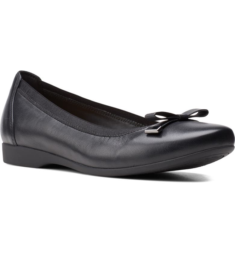 CLARKS<SUP>®</SUP> Un Darcey Bow Flat, Main, color, BLACK LEATHER