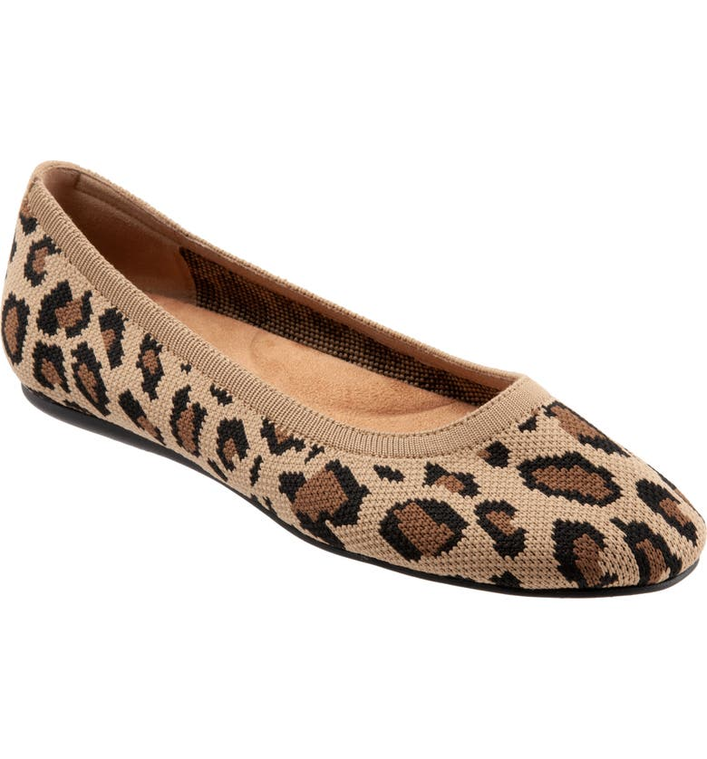 SOFTWALK<SUP>®</SUP> Sonora Flat, Main, color, TAN CHEETAH FABRIC