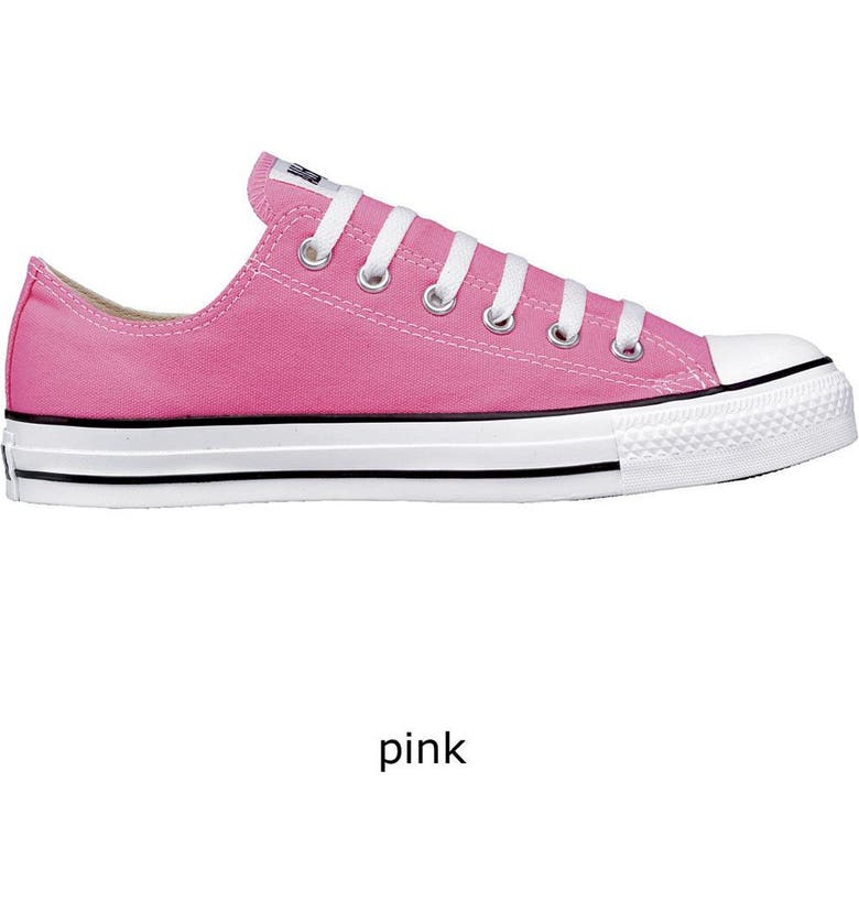 CONVERSE Chuck Taylor<sup>®</sup> Low Sneaker, Main, color, 001