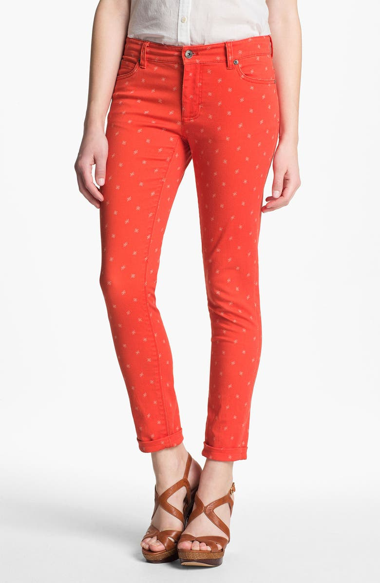TWO BY VINCE CAMUTO 'Shorty' Star Print Jeans, Main, color, FIERY RED