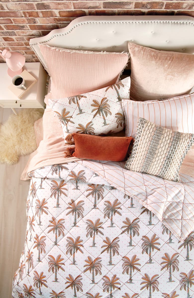 PERI HOME Palm Tree Quilt, Main, color, BLUSH