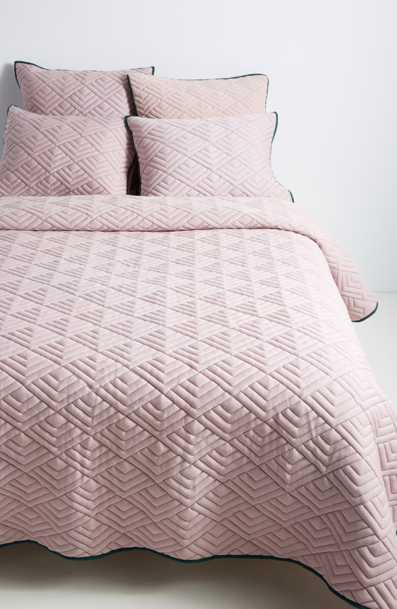 ANTHROPOLOGIE HOME Anthropologie Texture Geo Quilt, Main, color, LILAC