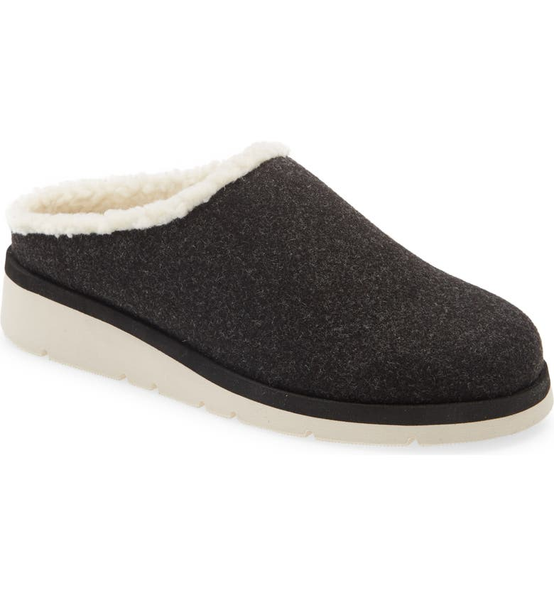 CASLON<SUP>®</SUP> Indoor/Outdoor Faux Shearling Lined Slipper, Main, color, 001