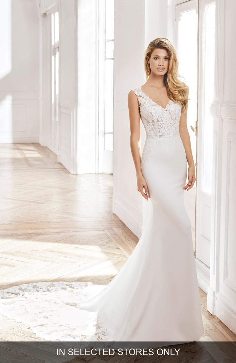 AIRE BARCELONA Neith Trumpet Wedding Dress, Main, color, 900