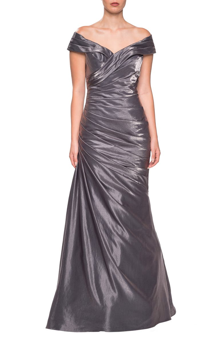 LA FEMME Ruched Satin Trumpet Gown, Main, color, PLATINUM