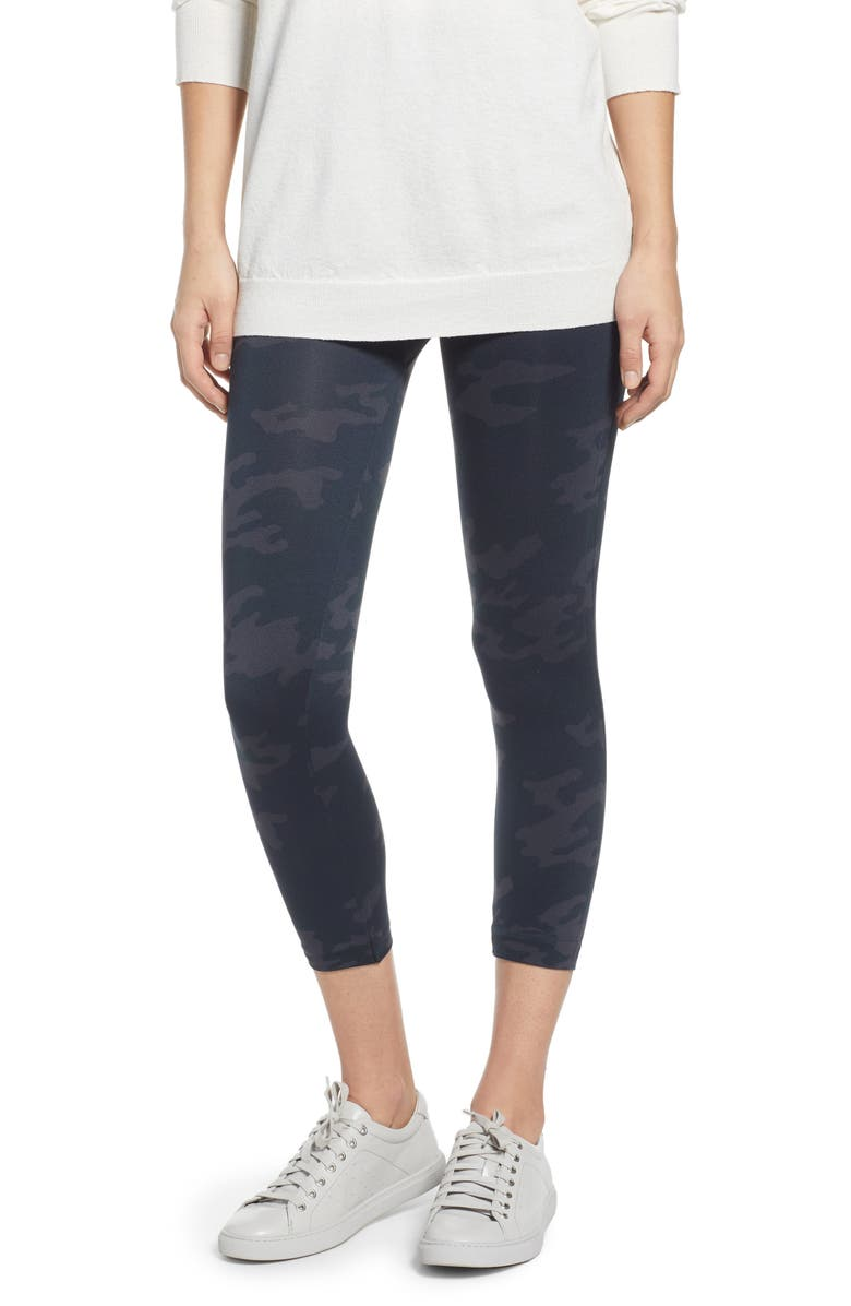 SPANX<SUP>®</SUP> SPANX Look At Me Now Crop Seamless Leggings, Main, color, 003