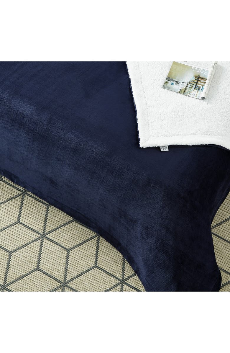 INSPIRED HOME Cozy Tyme Saleem Sherpa Throw Blanket 108x90, Navy - King, Main, color, NAVY