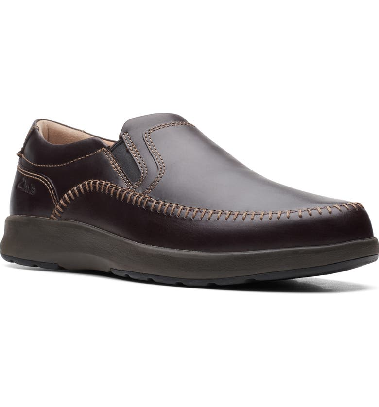 CLARKS<SUP>®</SUP> Un.Trail Way Slip-On, Main, color, MAHOGANY OILY LEATHER