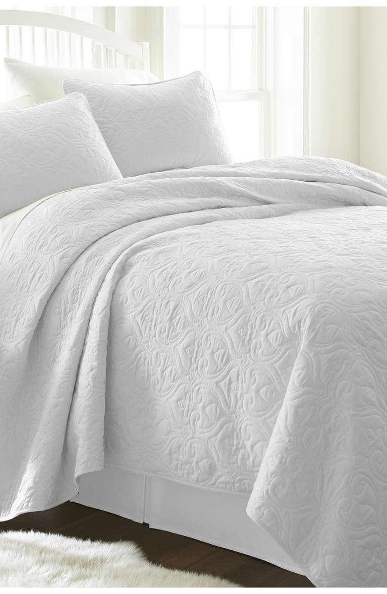 IENJOY HOME Home Spun Premium Ultra Soft Damask Pattern Quilted King Coverlet Set - Gray, Main, color, WHITE