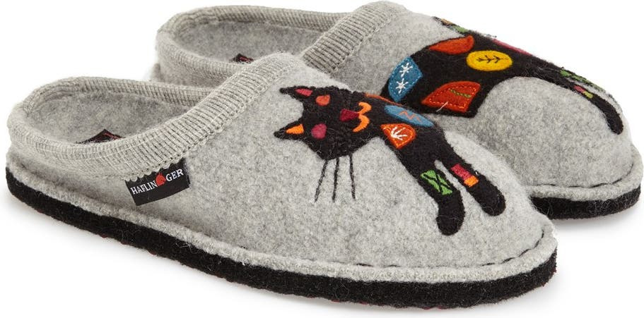 CLEARANCE SALE  KITTY WHITE BOOTIE  SLIPPER BRAND NEW  SIZES