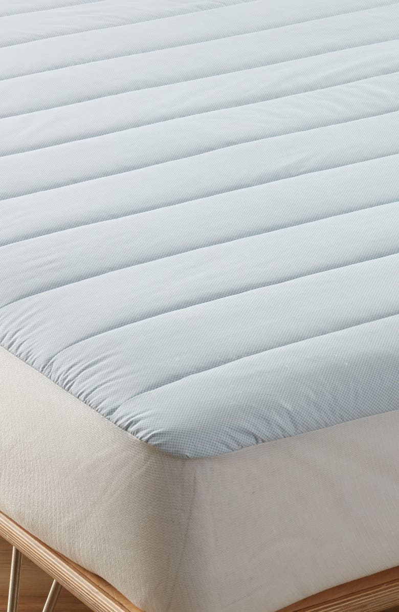 NORDSTROM Cooling Down Alternative Mattress Pad, Main, color, WHITE
