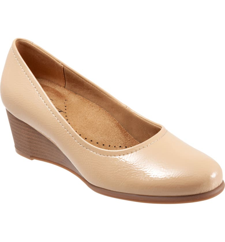 TROTTERS Winnie Wedge Pump, Main, color, NUDE FAUX PATENT LEATHER