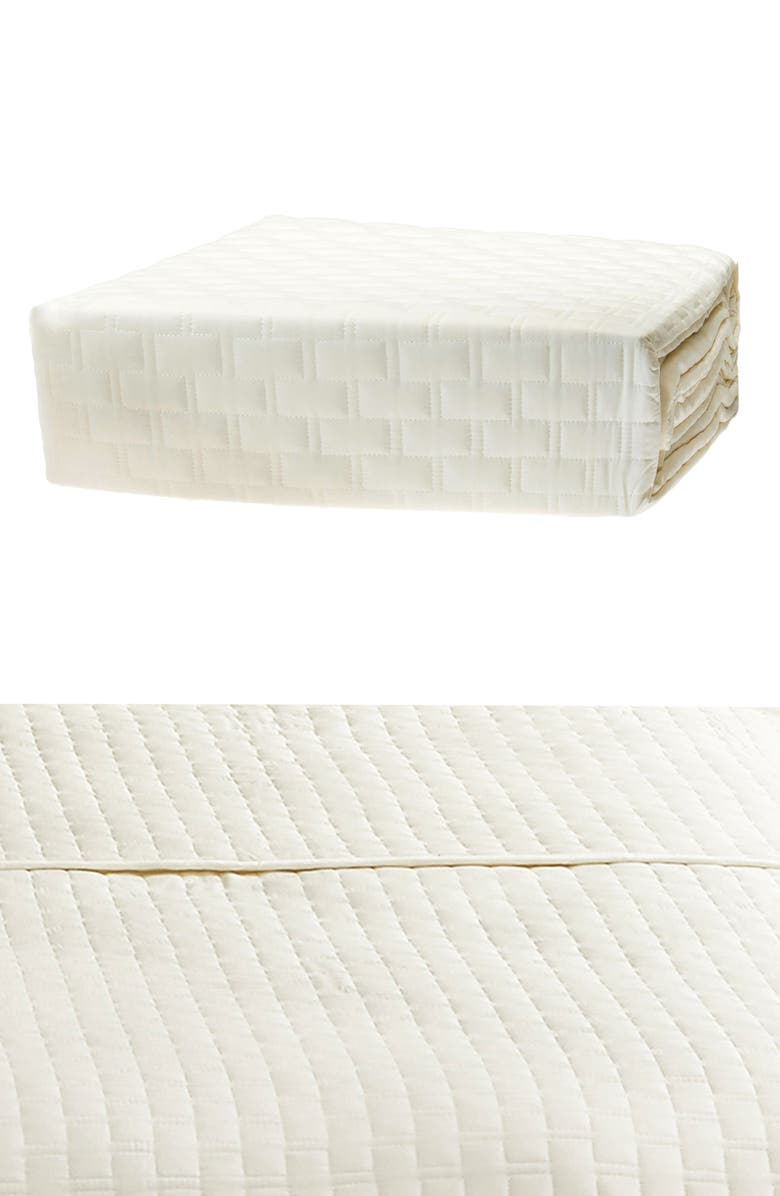 BEDVOYAGE 300 Thread Count Quilted Coverlet, Main, color, IVORY