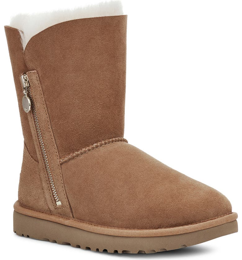 UGG<SUP>®</SUP> Bailey Short Boot, Main, color, CHESTNUT SUEDE