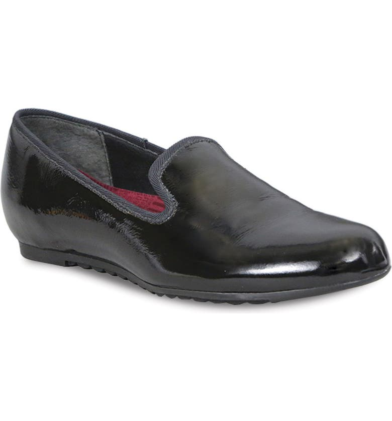 MUNRO Barb Flat, Main, color, BLACK CRINKLE PATENT