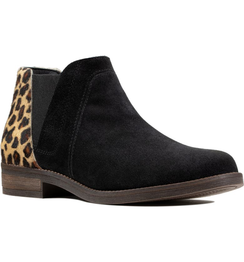 CLARKS<SUP>®</SUP> Demi Beat Chelsea Boot, Main, color, 001