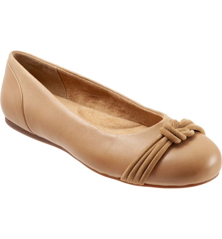 SOFTWALK<SUP>®</SUP> Sonoma Knot Flat, Main, color, TAN LEATHER